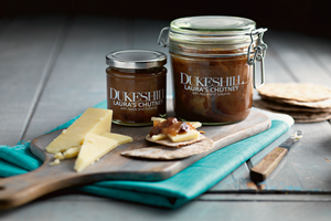 Laura''s Apple & Sultana Chutney -