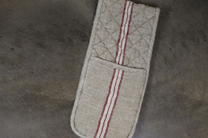 Natural & Red Linen Oven Glove